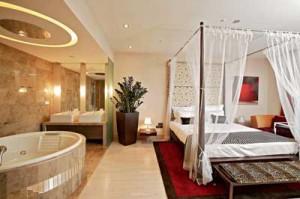 Ванна в спальне: нонсенс или новый тренд?