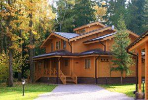 Как ухаживать за домом из клееного бруса?